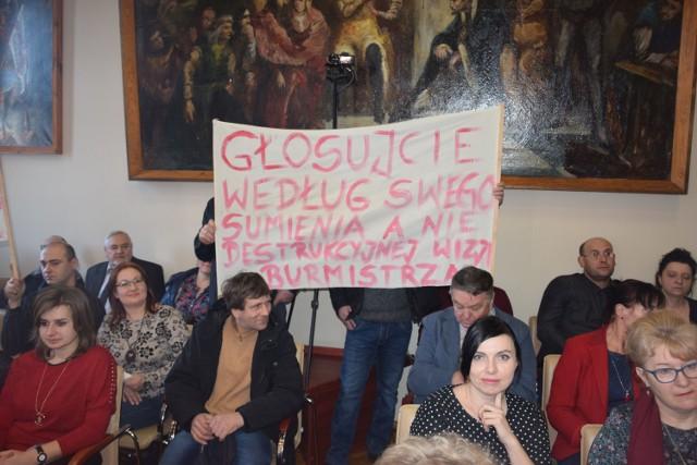 Wiele wskazuje na to, że był to bój o Januszkowo nie ostatni. Na zdjęciu: protest rodziców z 8 lutego 2019 roku. Będzie podobnie?