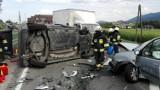 Ptaszkowa. Na DK 28 zderzyły się dwie osobówki i ciężarówka. Dwóch kierowców w szpitalu [ZDJĘCIA]