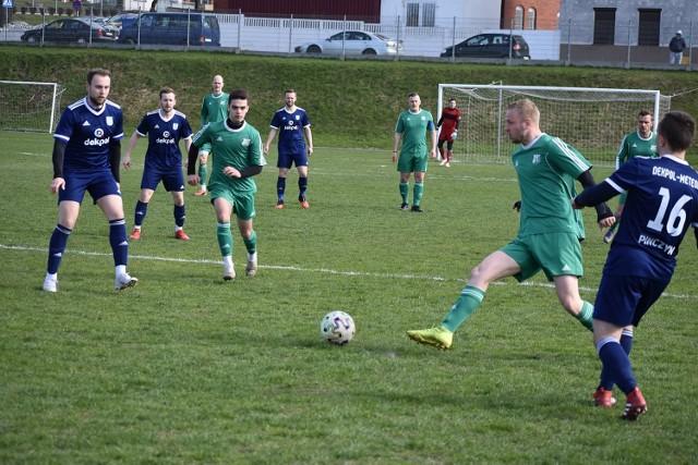 Spójnia Sadlinki wywiozła z Pinczyna remis 1:1, jednak gola straciła dopiero w doliczonym czasie gry