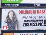 Antyszczepionkowcy straszą mieszkańców Opola. Lekarze: to herezje wyssane z palca