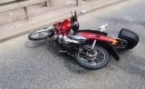 Barcice wypadek. Na drodze krajowej nr 87 motocyklista uderzył w znak drogowy