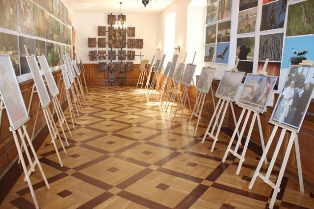 Wystawa prezentuje 20 fotografii z papieskich pielgrzymek