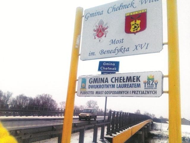 Most nad Wisłą, wybudowany w trzy miesiące, nosi imię Benedykta XVI