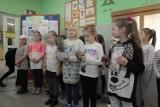 Dzieci w Szkole Podstawowej nr 3 w Złotowie przygotowywały kanapki pod hasłem - Śniadanie ma moc