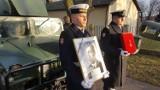 Pogrzeb oficerów Marynarki Wojennej. Bohaterowie polskiego wybrzeża będą godnie pochowani [zdjęcia, wideo]