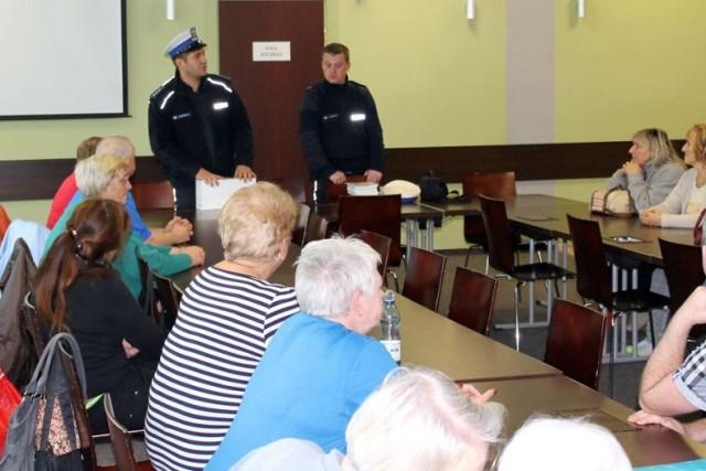 Seniorzy z Żor spotkali się z policjantami