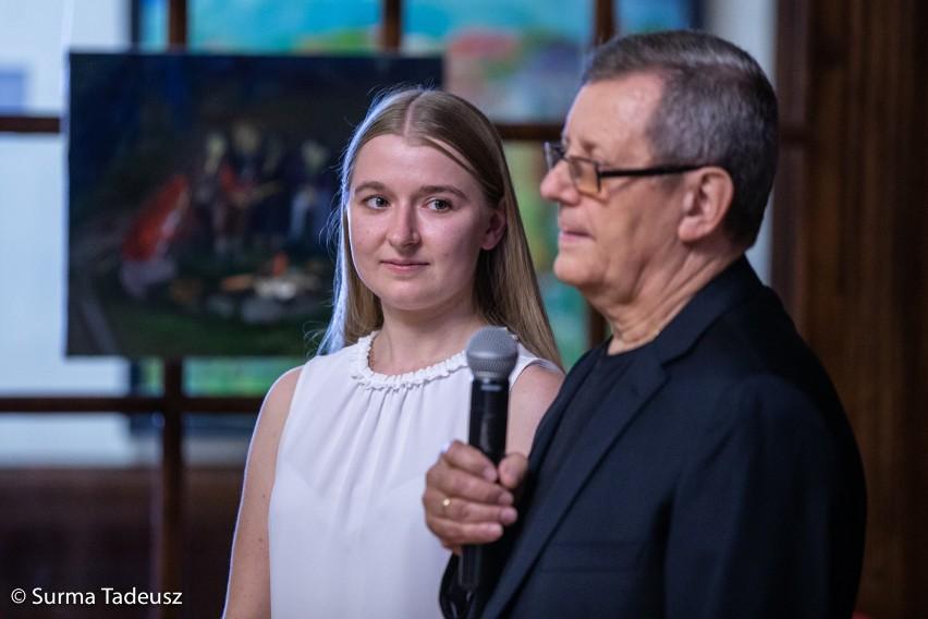 W MDK Stargard swój talent i wrażliwość pokazała młoda stargardzka graficzka, Sylwia Wojewoda