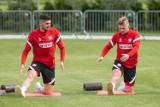 Reprezentacja Polski pracuje nad taktyką. Dojechali brakujący piłkarze, ale nadal nie ma Krychowiaka. Galeria z wtorkowego treningu