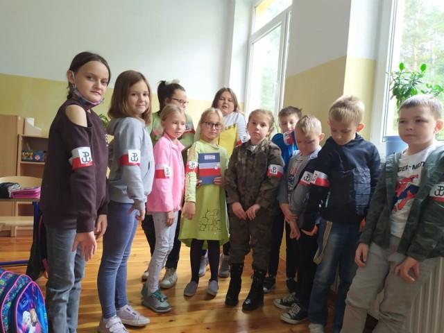 Zespół Szkolno-Przedszkolny w Janowie bierze udział w akcji #BohaterON 2020