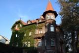 Ten budynek wygląda jak z jakiejś baśni! Magiczna kamienica na mapie Zielonej Góry
