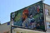 Nowy mural w Wasilkowie. Wizerunek Zygmunta Augusta ozdobił jedną z podstawówek (zdjęcia)