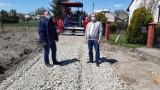 Trwa remont drogi w Wyszatycach. Niebawem rozpoczęcie kolejnych modernizacji