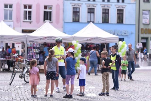 """Drugi tydzień realizacji """"Miejskiego Projektu Streetworkingowego - Lubliniec Miasto Dobrych Emocji"""" 8-12.07.2019."""
