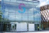 Napad na jubilera w SCC Katowice. Poznaliśmy markę samochodu, którym staranowano drzwi do centrum handlowego