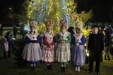 Niezwykłe Mikołajki i uroczystość zapalenia choinki u poznańskich Bambrów. Zobacz zdjęcia i poczuj atmosferę świąt