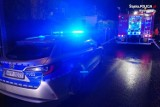Pożar w Bielsku-Białej. Policjanci weszli do płonącego budynku. Uratowali 83-letnią seniorkę!