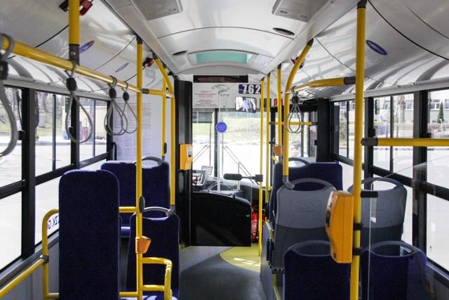 PKM Sosnowiec kupił pięć nowych autobusów.   Zobacz kolejne zdjęcia. Przesuń w prawo - wciśnij strzałkę lub przycisk NASTĘPNE