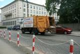 Śmieciarka wjechała w hydrant na ulicy Korfantego w Opolu