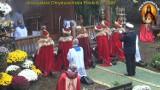 """Czerwone peleryny w czerwonej strefie w """"sanktuarium"""" byłego księdza Piotra Natanka w Grzechyni [ZDJĘCIA]"""
