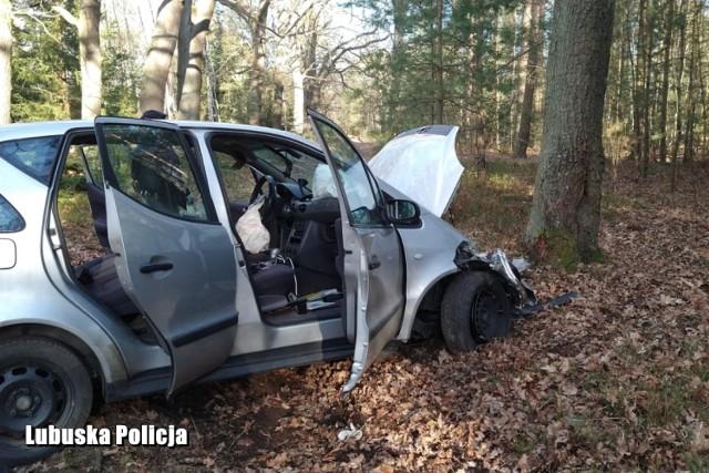 Pirat drogowy trzy razy uciekał policji i rozbił dwa auta