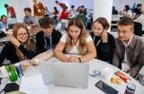 Licealiści II Liceum Ogólnokształcącego w Legnicy na ogólnopolskim Ideathonie w Warszawie