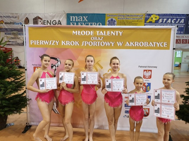 Nasze zawodniczki klubu Akro-Sól dzielnie walczyły z przedstawicielami najlepszych klubów w Polsce i godnie reprezentowali Inowrocław na zawodach akrobatyki sportowej w Łańcucie