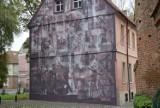 W centrum Zielonej Góry powstał nowy, wspaniały mural. Dzieło upamiętnia Wydarzenia Zielonogórskie. Warto je zobaczyć z bliska