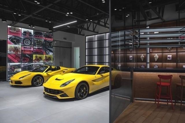 Restauracja La Squadra Ristorante przy salonie Ferrari i Maserati w Katowicach zostanie otwarta prawdopodobnie w lutym 2019 r.