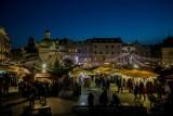 Kraków. Na Rynku już świątecznie. Targi Bożonarodzeniowe zapraszają