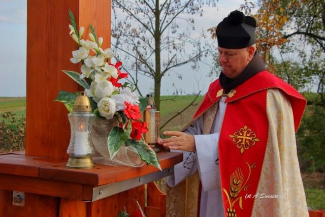 Poświęcenie nowego Krzyża Powstańczego w Bartochowie
