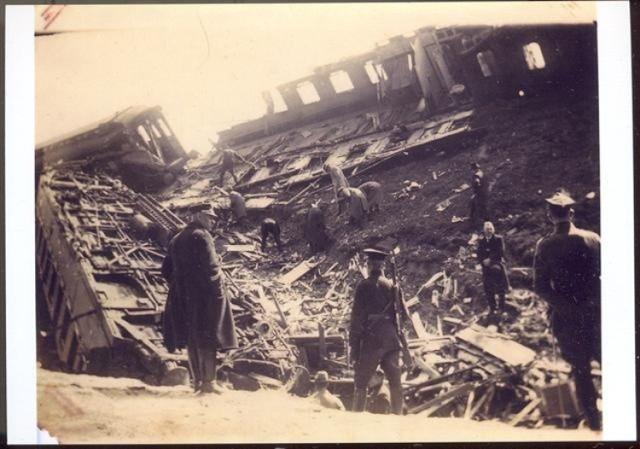 To była najtragiczniejsza katastrofa kolejowa w Polsce międzywojennej. Z nocy z 30 kwietnia na 1 maja 1925 roku pod Starogardem w wyniku dywersji wykoleił się międzynarodowy pociąg relacji Insterburg - Berlin. Zginęło 29 osób (w tym cztery w szpitalu), ponad 70 osób zostało rannych.