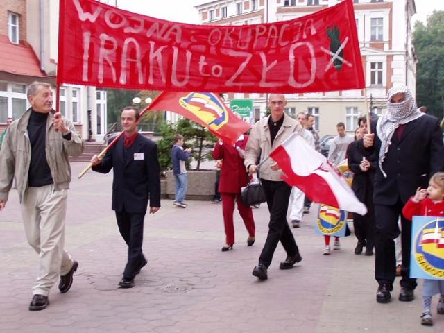 W roku 2003 szczecinecka Samoobrona protestowała przeciwko wojnie w Iraku