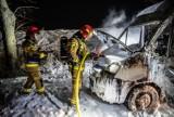 Groźny pożar busa we Wronowie [ZDJĘCIA]