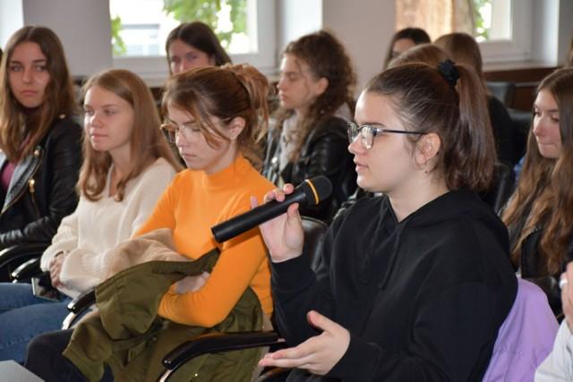 Profesorzy poznańskich uczelni docenili wyjątkowe zaangażowanie licealistów w dyskusję