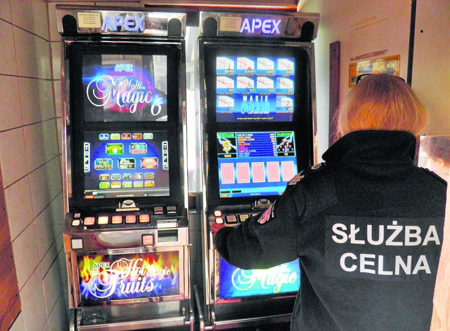 Bardzo dobra Zabezpieczyli nielegalne automaty do gier. Już nie pograsz w barze XB16