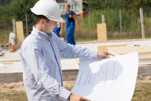 Skomplikowany proces, jakim jest budowa domu, stanie się łatwiejszy dzięki załatwianiu formalności przez internet.