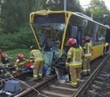 Wypadek autobusu w Bytomiu na Chorzowskiej. Zderzył się z samochodem osobowym. Są ranni