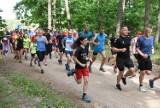 Parkrun wrócił po pandemii. Toruńscy biegacze znów wystartowali w lasku Na Skarpie [dużo zdjęć]