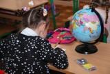 GIS przygotowuje wytyczne sanitarne dla szkół na wrzesień. Czy uczniowie wrócą do stacjonarnego nauczania? Co się zmieni?