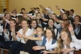 Gimnazjum nr 3 w Pleszewie - pasowanie pierwszoklasistów na gimnazjalistów