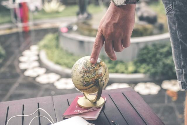 Analitycy z Melbourne Mercer przeanalizowali 37 systemów emerytalnych, które obejmują dwie trzecie światowej populacji. Eksperci wzięli pod uwagę takie czynniki jak adekwatność systemu emerytalnego, jego integralność i zrównoważony rozwój. W rankingu znalazła się również Polska, ale dopiero na 21. miejscu.   Sprawdź, które systemy emerytalne są najlepsze na świecie   Te kraje uzyskały najwyższą ocenę (A lub B).