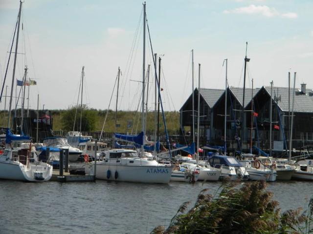Na szlaku Pętli Żuławskiej jest także port jachtowy w Błotniku