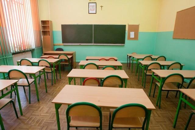 """Szkoła z Trzemeszna zakwalifikowała się do programu """"Podpaski w szkole dla każdej dziewczyny"""""""