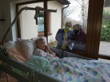 Koronawirus vs Puckie Hospicjum: raport o dobrym umieraniu przez pryzmat pandemii koronawirusa