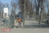 KROTOSZYN: Zakaz wstępu na krotoszyński cmentarz z powodu pandemii. Warto wiedzieć!
