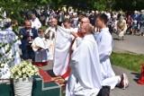 Boże Ciało 2021. Wierni z parafii pw. św. Wojciecha w Wągrowcu przeszli w procesji do czterech ołtarzy