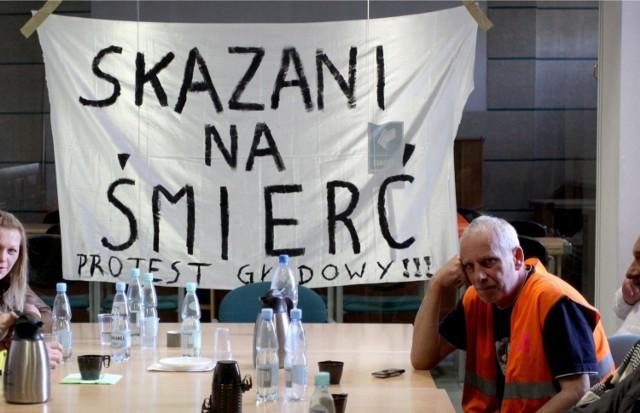 24.04.2012 Gdynia Strajk głodowy pracowników zatrudnionych na budowie Pomorskiego Parku Naukowo-Technologicznego.