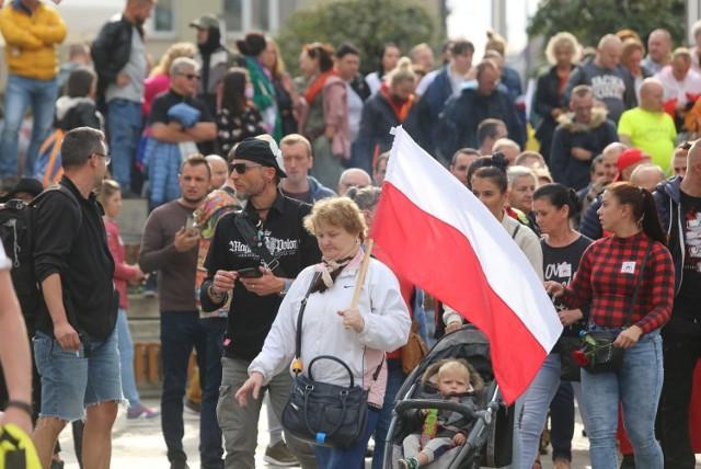 Protest antyvovidowy w Katowicach