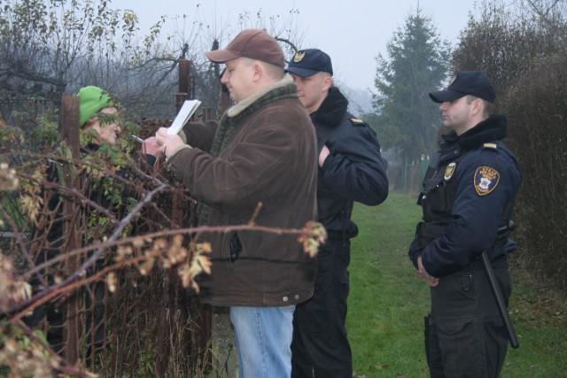 Do obowiązków municypalnych należy m.in. monitorowanie czy mieszkańcy działek nie chcą przezimować w schroniskach