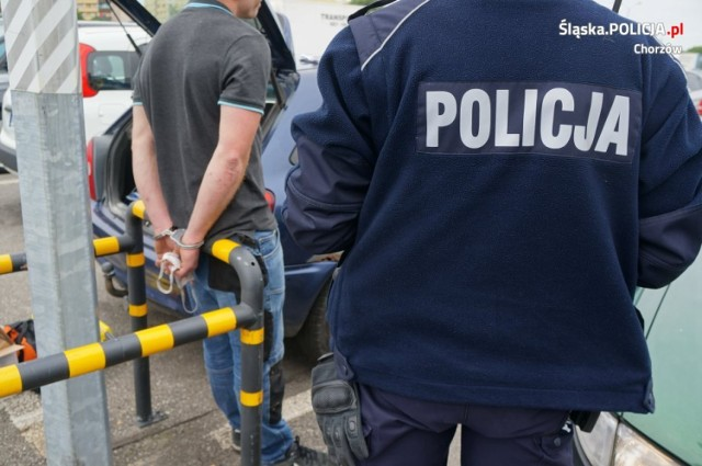Chorzów: policjanci zatrzymali sklepowych złodziei